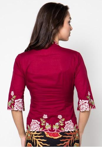 Model Kebaya Batik Senawangi