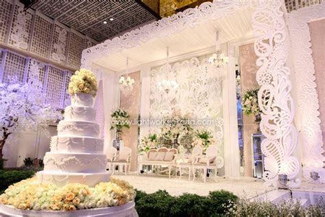 kosha weddings   Found on lightworksjakarta.com   Wedding