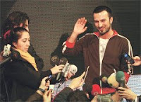 Tarkan talking to reporters at TTNetMuzik press conference