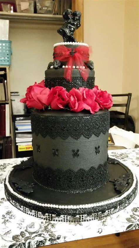 Best 25  Fake wedding cakes ideas on Pinterest   Yellow