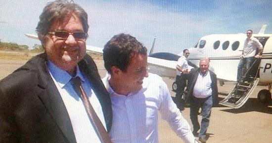 Gabriel chega a Cuvelo a bordo do aviao de Bene VA_2.jpg