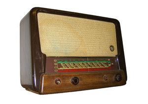 old radio: radio Tesla