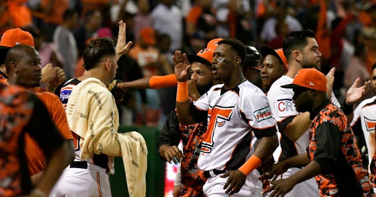 Los Toros toman el control de la serie final 2-1; derrotan a Los Tigres 5-2