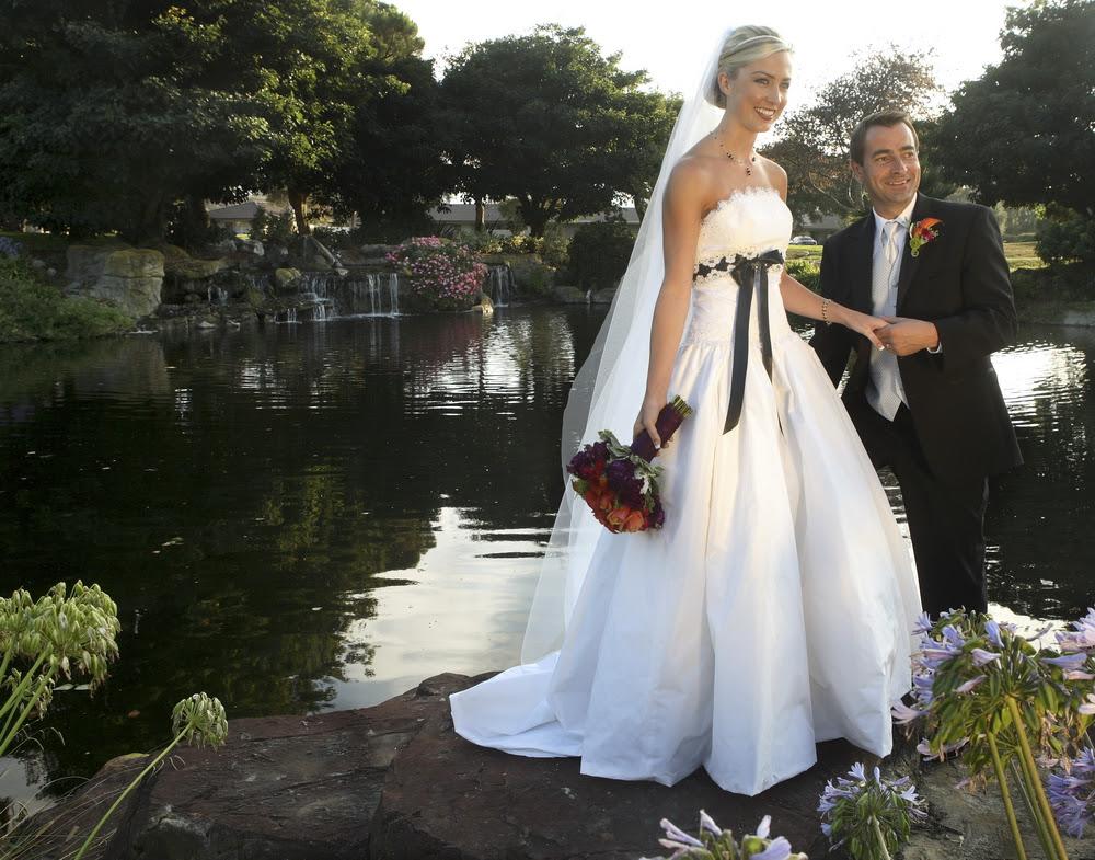 Orange Gown Wedding: Best Wedding Ideas: Brightly With Romantic Orange Wedding