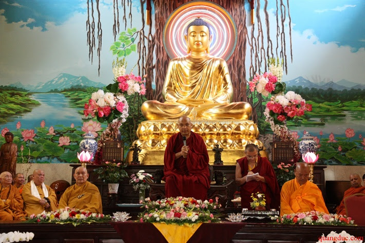 Duc Karmapa vieng tham Chua Khanh Anh (92)