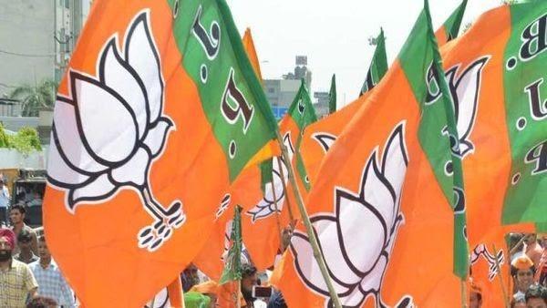 उत्तर प्रदेश 2022 के चुनाव से पहले सिमटती दिख रही बसपा और कांग्रेस
