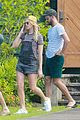 margot robbie shows off her style during helicopter tour of hawaii 02