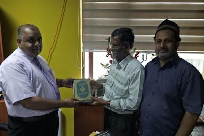 Sri Lanka: Quran Sinhala Translation Gifted to Cabinet Minister Chandrani Bandara