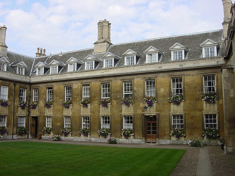 File:Interior East Side of Gonville Court, Gonville & Caius (full).jpg