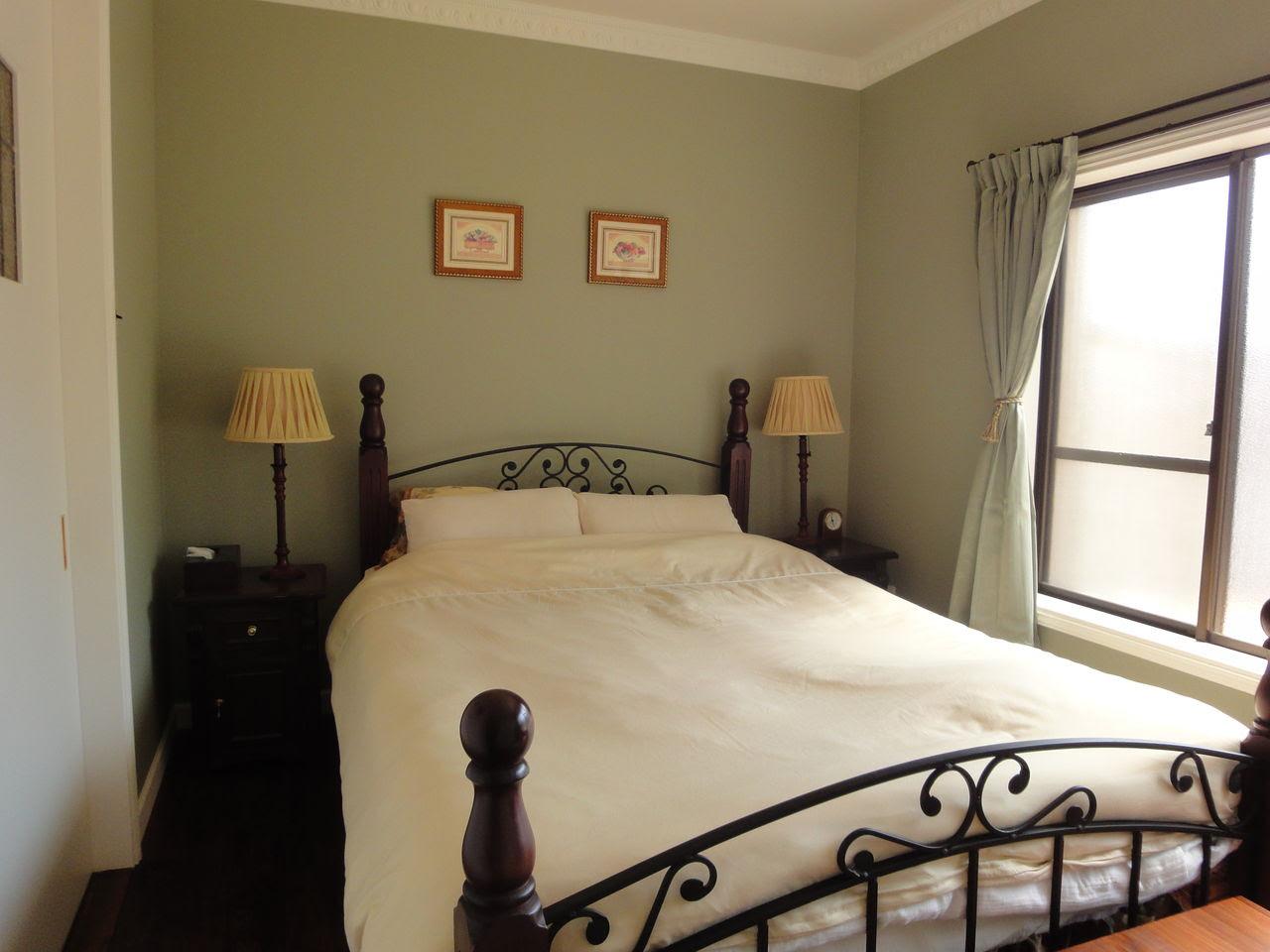 寝ている間に運気UP!寝室の壁紙におすすめ色と気になる風水は ...