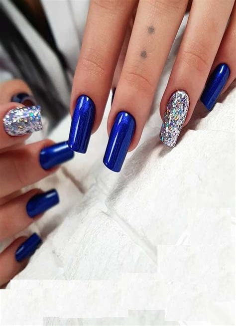 18 Nice & Cool Royal Blue Nail Arts & Designs To Create In