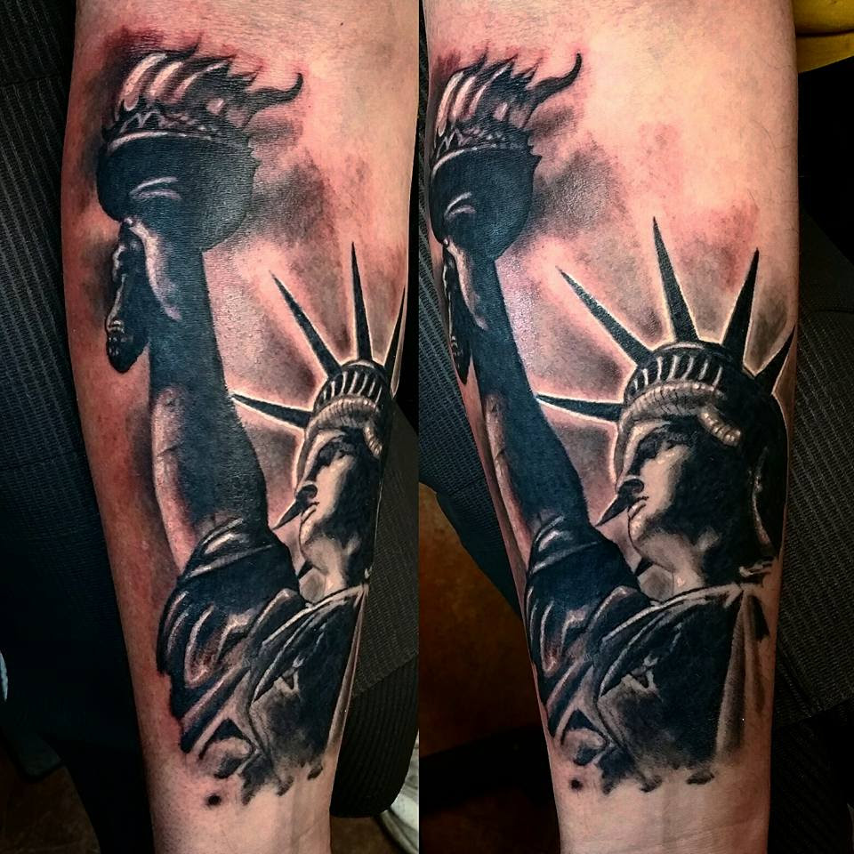 Statue Of Liberty Tattoo Design Parryzcom
