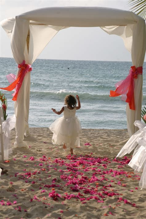 Tips For Planning a Destination Wedding In Jamaica