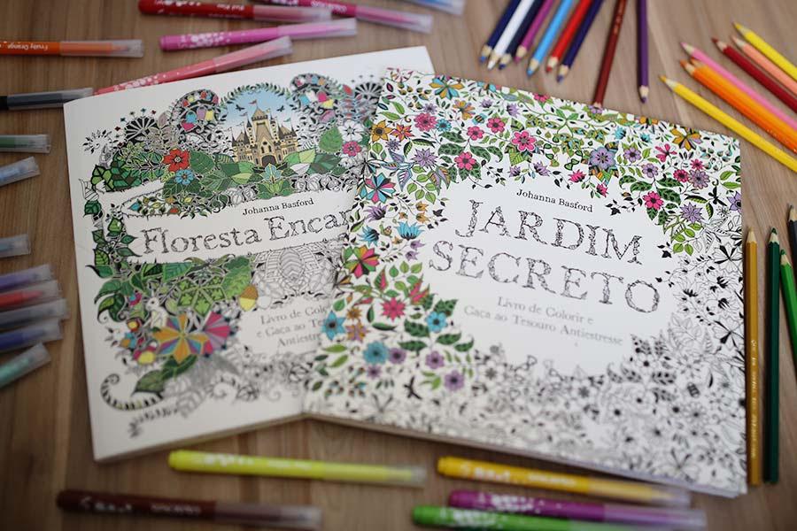 http://www.justlia.com.br/wp-content/uploads/2015/04/livros-de-colorir-para-adultos-001.jpg