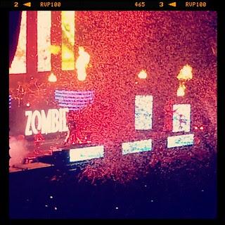 #robzombie #zombie #rock #manchvegas #dracula #confetti #fire