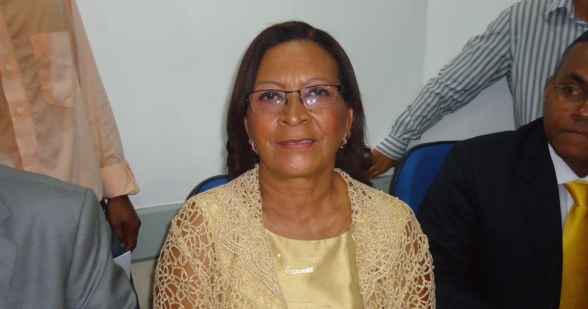 Resultado de imagem para foto vereadora DONA augusta pinto LAURO DE FREITAS