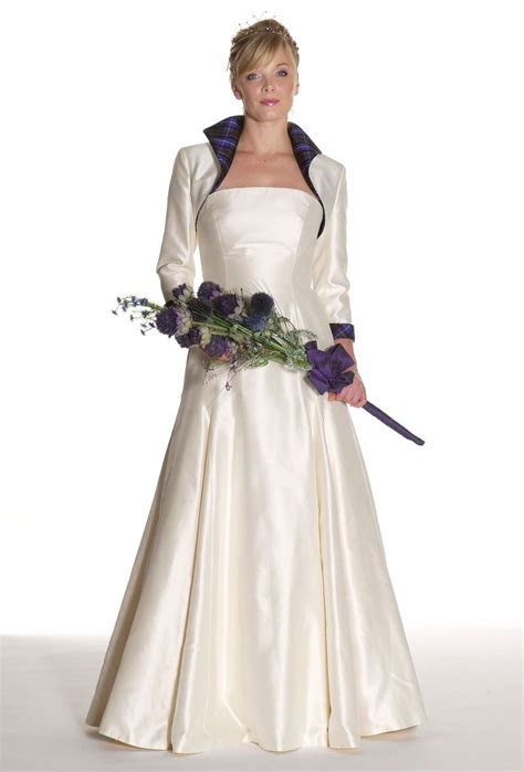 Best 25  Tartan wedding dress ideas on Pinterest