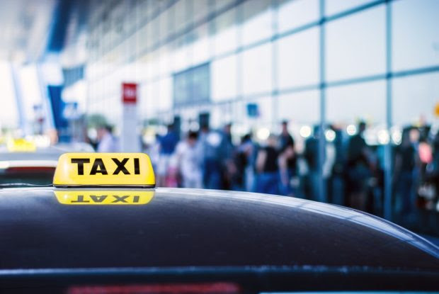 Book Maxi taxi For Stress-Free Roaming