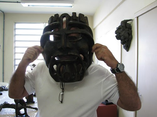 Lauro with mask