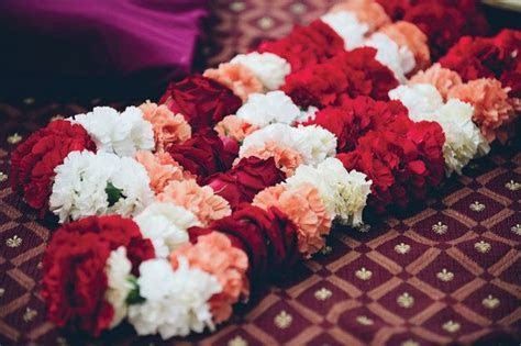 Carnation Indian Garlands for wedding   Indian Garland