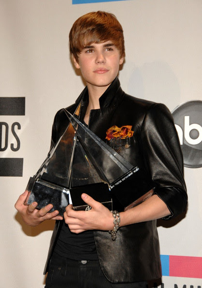 justin bieber and selena gomez dating confirmed. Didmar , red carpet wow justin