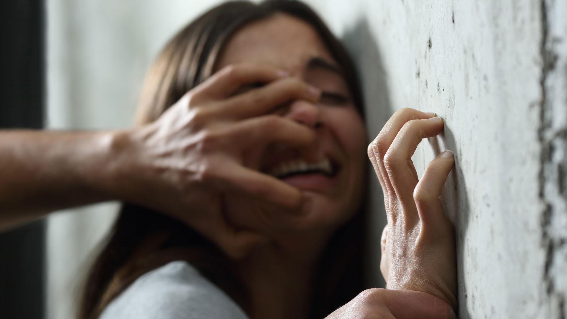Resultado de imagen para Asesinan a una joven de 15 años en India tras violarla