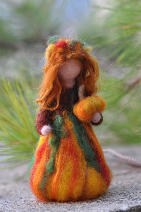 *NEEDLE FELTED ART ~ Amazing needle felted Waldorf figure by darialvovsky.