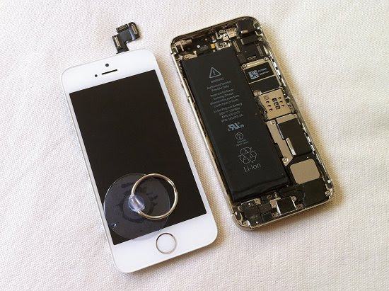 iPhone 5S disassembly stage 10