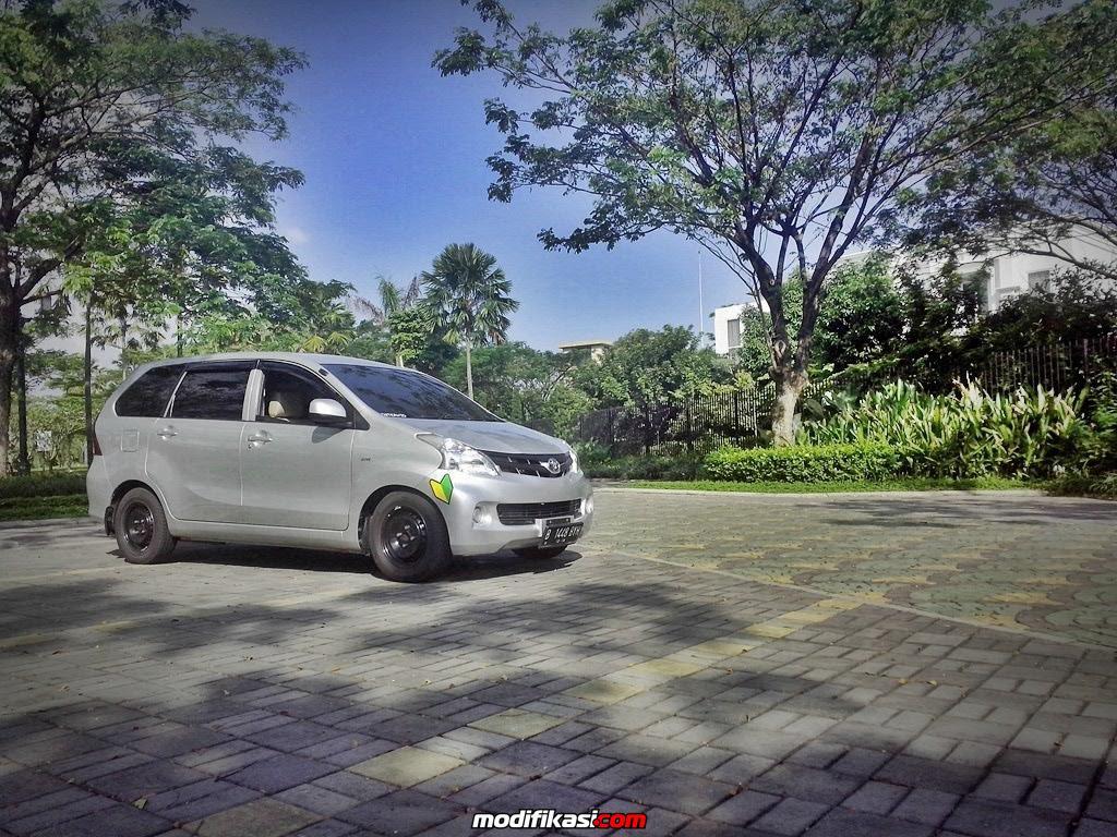 Modifikasi Mobil Pakai Velg Kaleng Sobotomotif