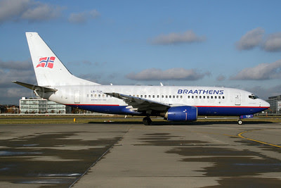 Braathens Boeing 737-705 LN-TUH (msn 29093) LHR (Dave Glendinning). Image: 908441.