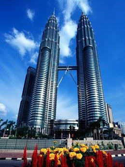 Pengalaman Berjalan Ke KLCC (menara kembar petronas)