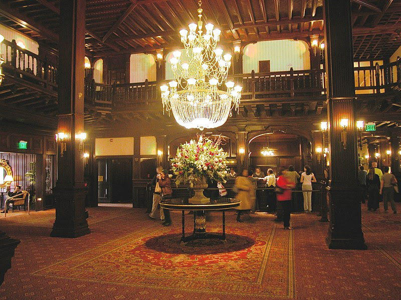 File:HotelDelCoronado-Lobby.jpg