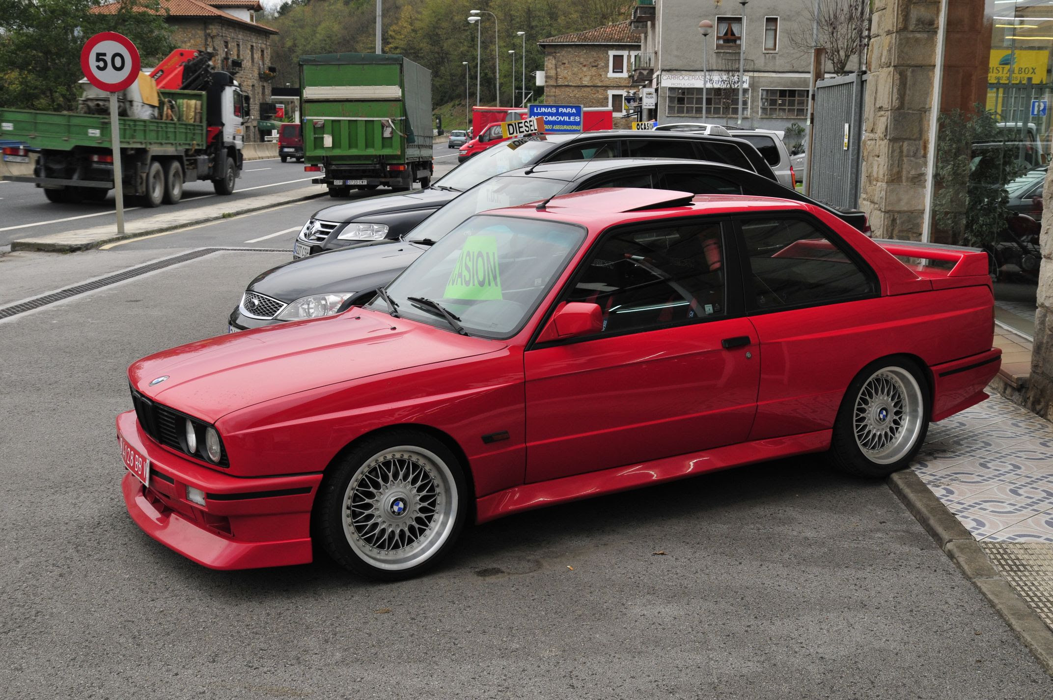 BMW M3 E30 (photo from http://www.autosdiamante.com )