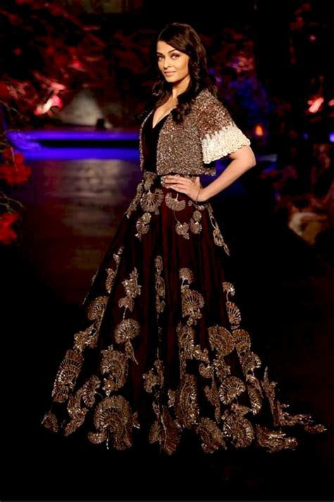 Top Wedding Lehenga Designs 2016 : Designer Lehengas