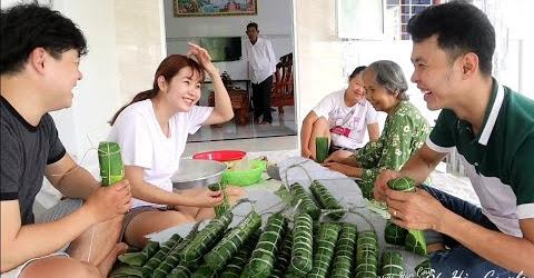 Bà nội dạy cháu rể Hàn Quốc làm bánh tét Việt Nam 🇻🇳290
