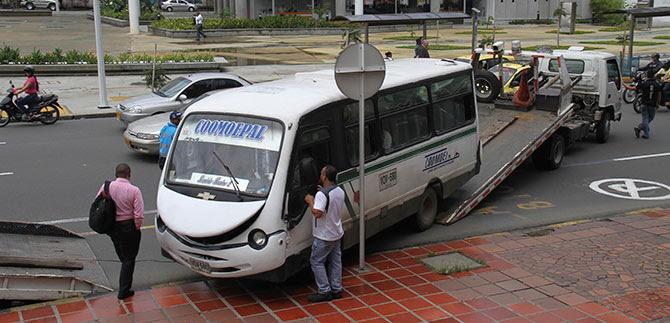 Secretaría de Tránsito sí ha estimulado el transporte masivo en Cali: Alberto Hadad