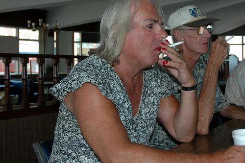 counter smokers howard johnsonweb-4