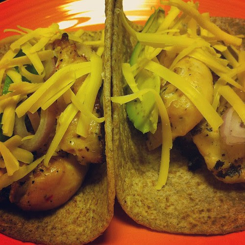 Grilled Chicken Fajitas w/ Avocado, Shallots, & Extra Sharp Cheese #wfd