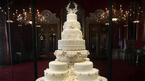 How Meghan Markle and Prince Harry's Wedding Cake Honors