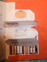 http://demainyaecole.eklablog.com/complements-halloween-noel-paques-pour-lapbook-anglais-a102979427