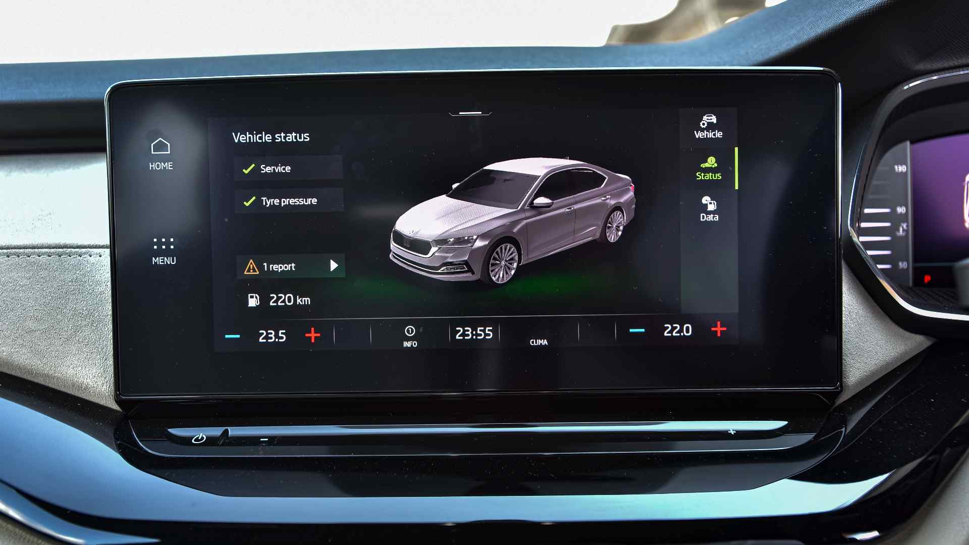 High-res 10-inch touchscreen in the 2021 Skoda Octavia is crisp and easy to use. Image: Overdrive/Anis Shaikh