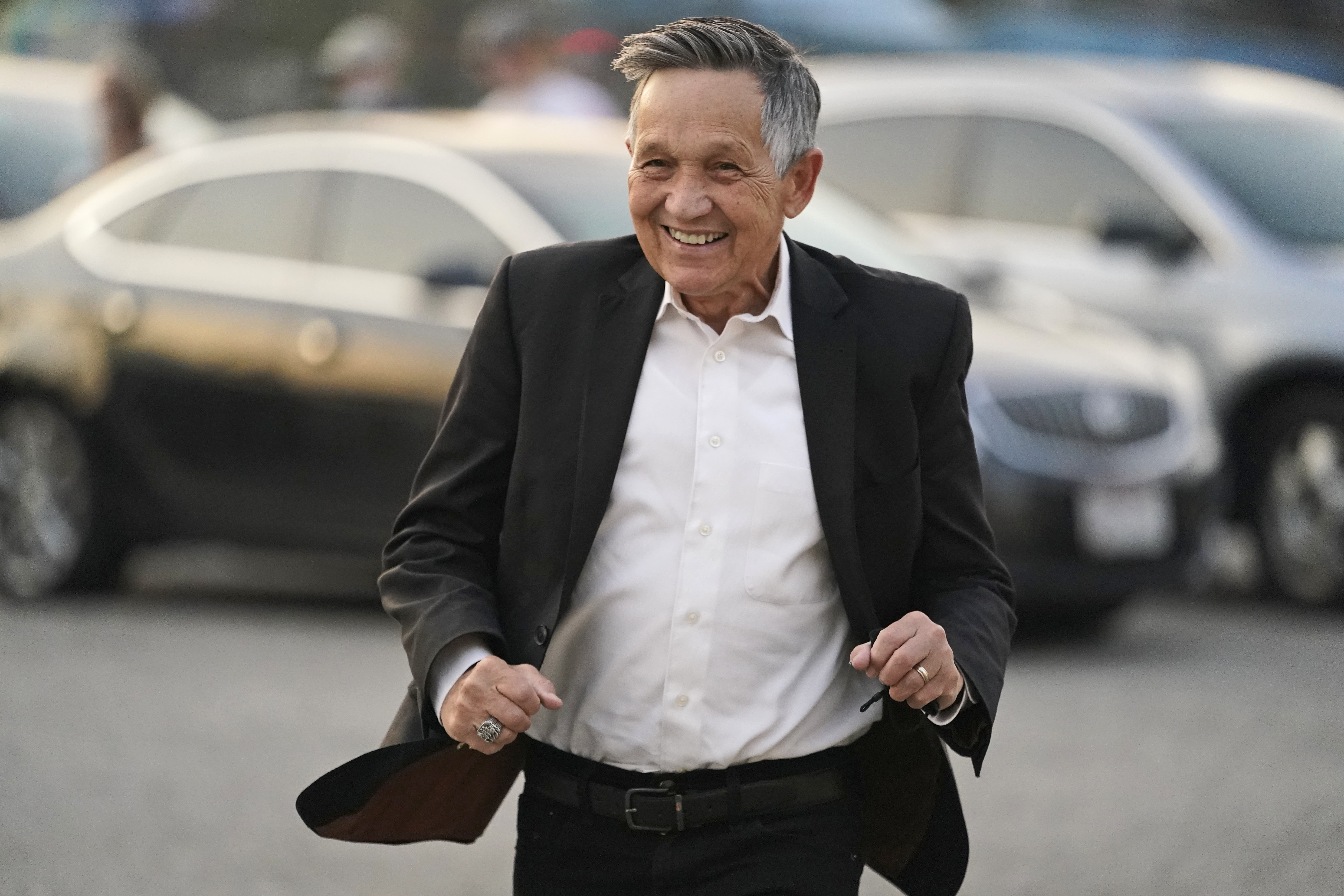 Dennis Kucinich falls short in bid to return to mayor's office in Cleveland four decades later