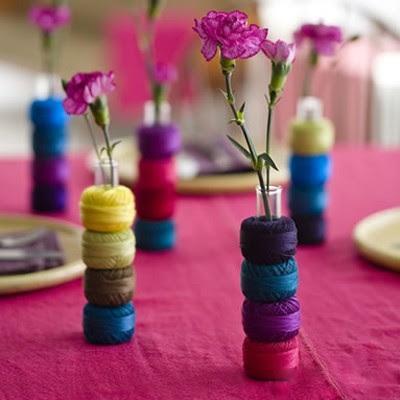 яркие вазочки из ниток