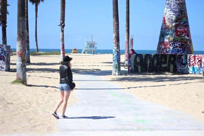 photo 1-Venice_Beach_LosAngeles_VansSlip-on_zps0dcb645f.jpg