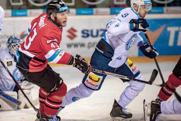 1d21cd9cf2d04 Hokej Nitra Banská Bystrica ONLINE dnes 3. finále play-off Tipsport liga