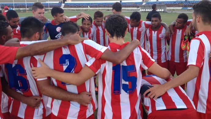 Náutico sub 20 (Foto: Viviane Leão/GloboEsporte.com)