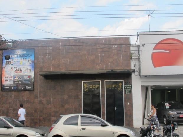 Casa noturno foi atingida por tiro em Santos, SP (Foto: Guilherme Lucio/G1)