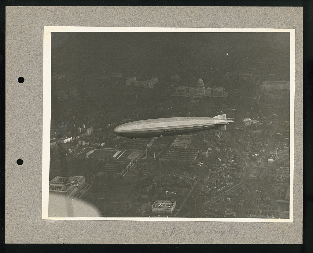ZR-3 Los Angeles. Photo by National Photo Company, [1924 Nov.] //hdl.loc.gov/loc.pnp/ppmsca.40794