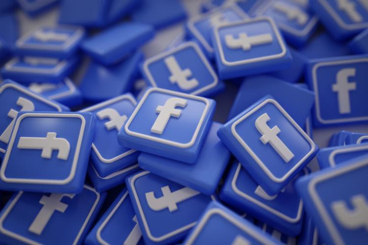 As pessoas fora da rede social acompanharam menos questões de atualidade política e iniciativas de governantes - Foto: Divulgação | Freepik | Natanael Ginting