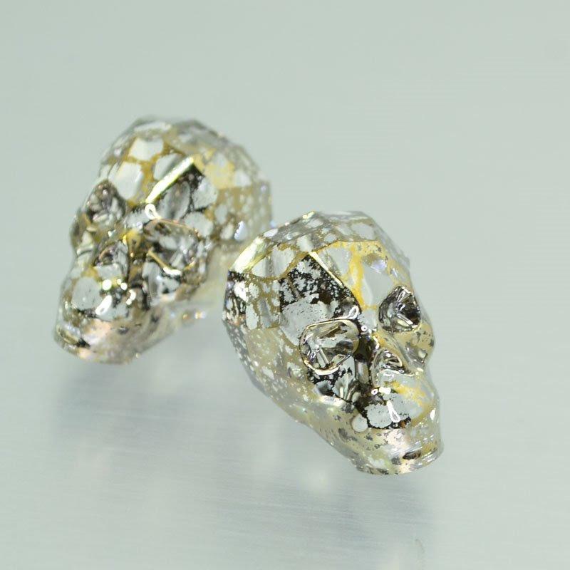 27757500080002 Swarovski Bead - 19 mm Faceted Skull (5750) - Crystal Gold Patina (1)
